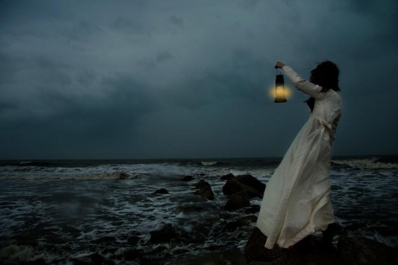 sieviete vētra